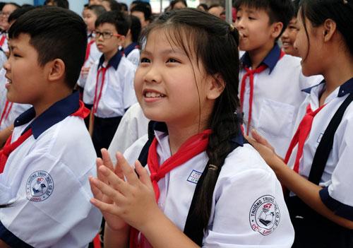 Học sinh trường THCS Cửu Long (quận Bình Thạnh, TP HCM). Ảnh: Mạnh Tùng.