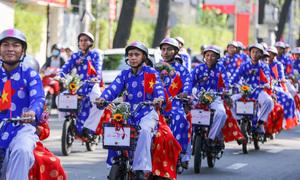 100 cặp đôi tham gia lễ cưới tập thể ở Sài Gòn