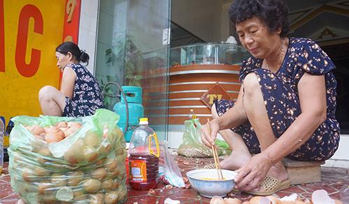 Bếp ăn nghĩa tình trong tâm lũ ở xứ Thanh