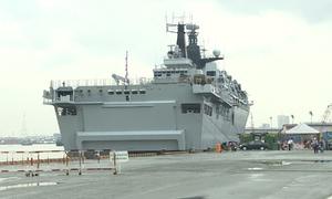 Tàu chiến Anh cập cảng TP HCM