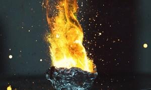 Hỗn hợp cho ngọn lửa nóng gấp đôi dung nham khi đốt cháy
