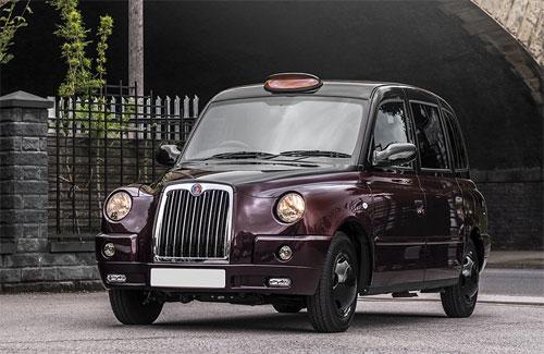 Phiên bản siêu sang của chiếc taxi quen thuộc có ngoại hình được làm mới với sơn hai tông màu. Ảnh: Kahn.