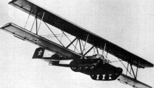 Nguyên mẫu A-40 bay thử vào năm 1942. Ảnh: Wikipedia.