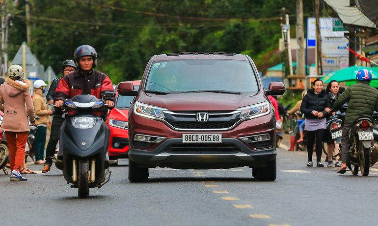 5 mẹo lái xe tiết kiệm xăng