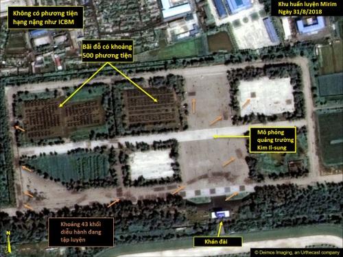 Các khí tài và binh sĩ tại khu huấn luyện Mirim hôm 31/8. Ảnh: Deimos Imaging.