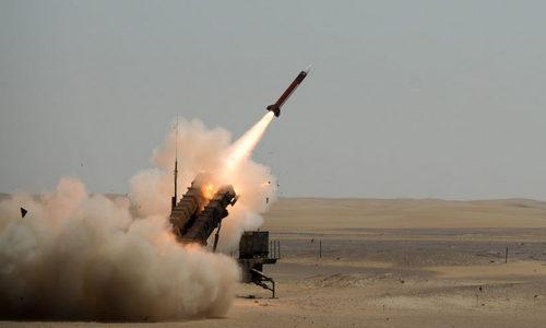 Tên lửa phòng không Arab Saudi khai hỏa trong cuộc diễn tập năm 2014. Ảnh: Raytheon.