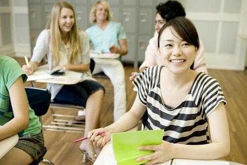 Tham gia tranh luận trong lớp là cách gây ấn tượng tốt. Ảnh:Campus Magazine