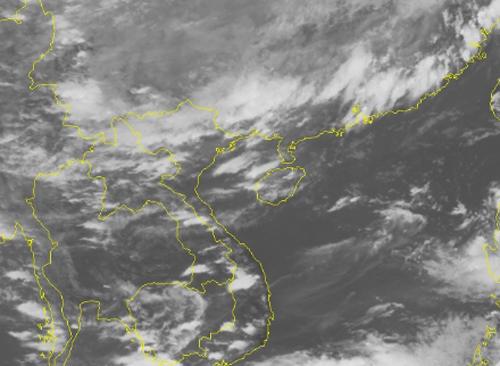 Ảnh mây vệ tinh cho thấy không khí lạnh (vùng đậm màu trắng) đang tràn xuống Việt Nam. Ảnh: NCHMF.