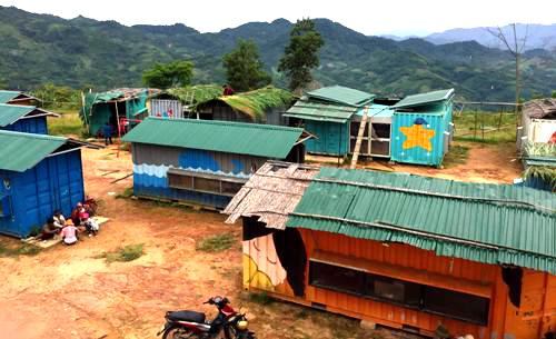 Làng containerở xã Trà Lãnh, huyện Tây Trà, Quảng Ngãi. Ảnh: Thạch Thảo.