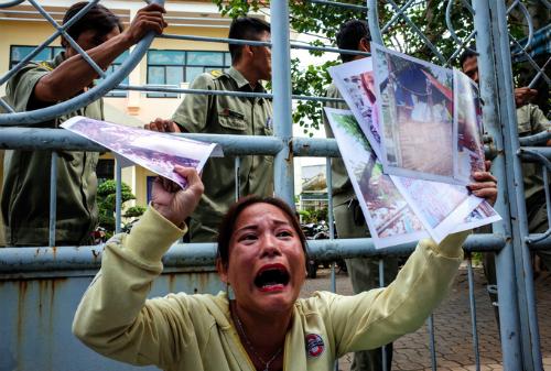 Người dân khiếu kiện hàng chục năm qua vì các sai phạm tại dự án Khu đô thị mới Thủ Thiêm. Ảnh: Thành Nguyễn