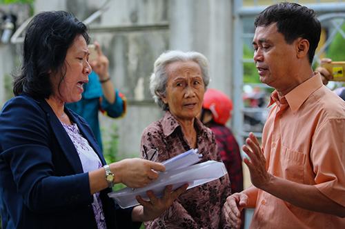 Người Thủ Thiêm nói về những bức xúc do nhà đất bị TP HCM cưỡng chế sai quy hoạch. Ảnh: Quỳnh Trần.