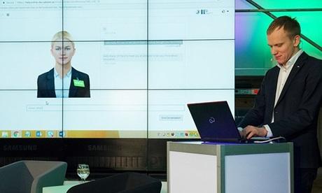 Robot Aida được sử dụng trong ngân hàng SEB, Thuỵ Điển. Ảnh: Sputnik