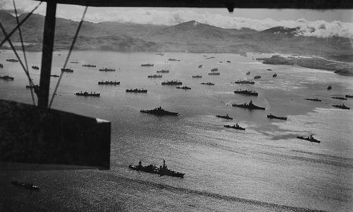 Tàu chiến Mỹ hội quân, chuẩn bị cho chiến dịch tái chiếm quần đảo Aleutian. Ảnh: US Navy.