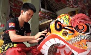 Thu lãi trăm triệu từ làm đầu lân mùa trung thu ở Hà Nội