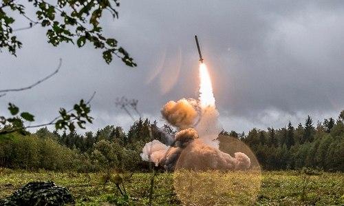 Tổ hợp Iskander-K khai hỏa trong cuộc tập trận Zapad-2017. Ảnh: TASS.