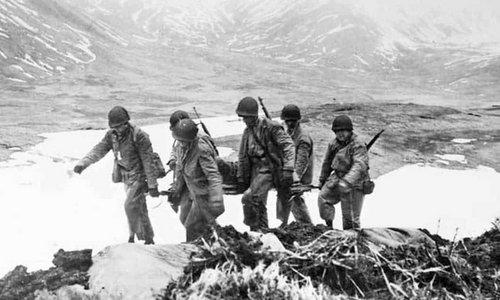 Lính Mỹ trong chiến dịch tái chiếm đảo Attu. Ảnh: US Army.