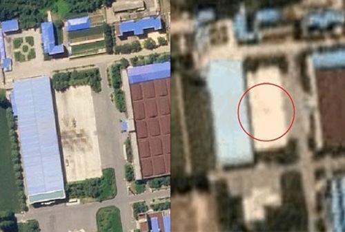 Nhà máy lắp ráp ICBM tại Pyongsong hôm 17/8 (trái) và 5/9. Ảnh: Choson Ilbo.