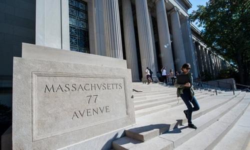 MIT vươn lên đứng đầu bảng xếp hạng từ vị trí thứ 5 của năm ngoái. Ảnh: Rick Friedman