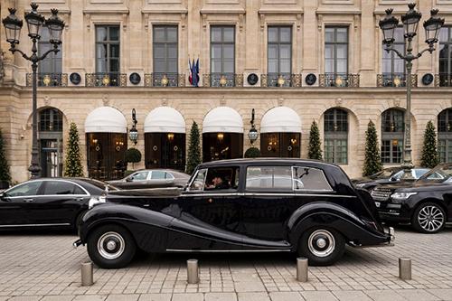 [Caption]khách sạn 5 sao Ritz ở Paris.