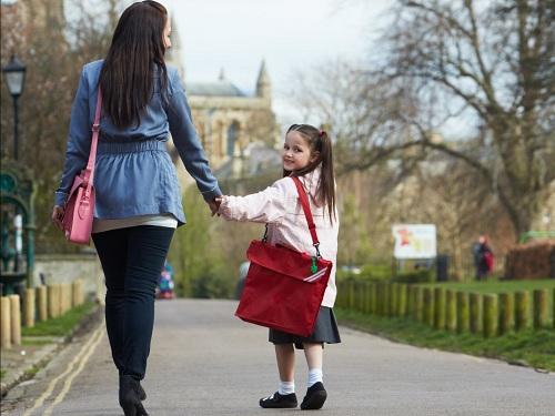 Phụ huynh sẽ phải trả thêm phí khi đưa con đếnBurrowes State Schooltrước 8h30.Ảnh: Shutterstock