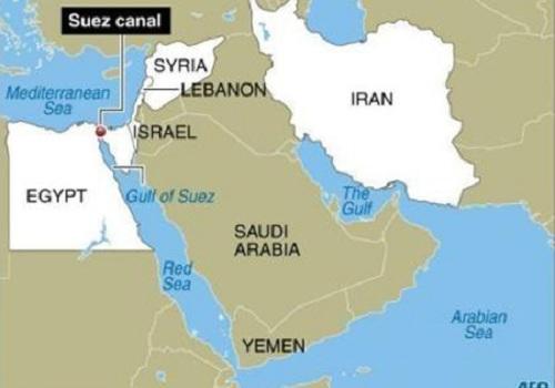 Tàu chiến Mỹ có thể cơ động trên Biển Đỏ để áp sát Syria yểm trợ cho căn cứ At -Tanf. Đồ họa: Globalisation.