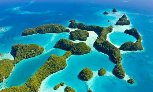 Palau gồm hơn 500 đảo nhỏ, nằm ở tây bắc Thái Bình Dương, vây quanh là Philippines, Guam, Indonesia và Papua New Guinea. Ảnh: Guardian.