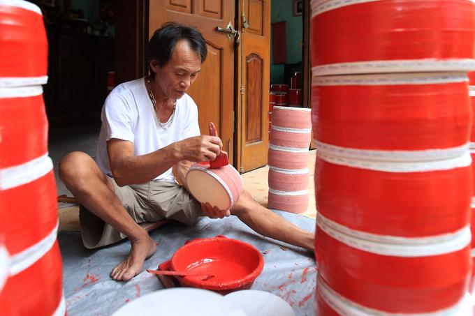Dây chuyền làm 100.000 trống trung thu mỗi năm ở Hưng Yên