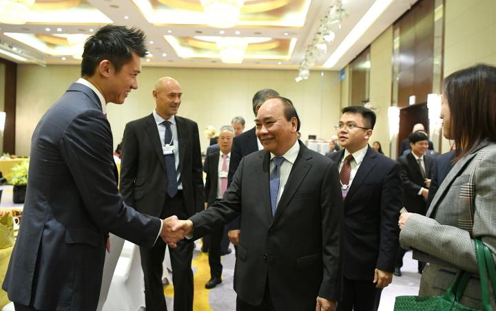 Thủ tướng trao đổi với các tập đoàn toàn cầu trước thềm Diễn đàn Kinh tế Thế giới về ASEAN. Ảnh: VGP