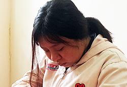 Nguyễn Võ Nhật Vy tại cơ quan điều tra. Ảnh: Thế Phong