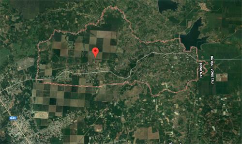 Khu vực (chấm đỏ)tìm thấy hố chôn 13 liệt sĩ.