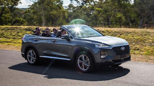 Santa Fe 2019 được loại bỏ mui cứng tại Australia. Ảnh: Autoblog.