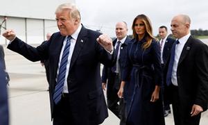 Trump bị chỉ trích vì giơ nắm đấm tay trước lễ tưởng niệm vụ khủng bố 11/9