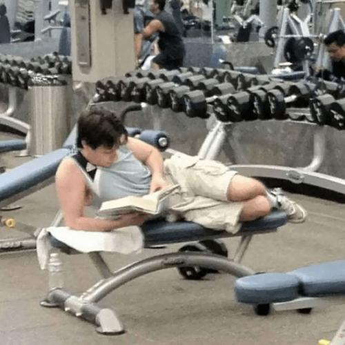 Tập gym thì phải thoải mái chứ.