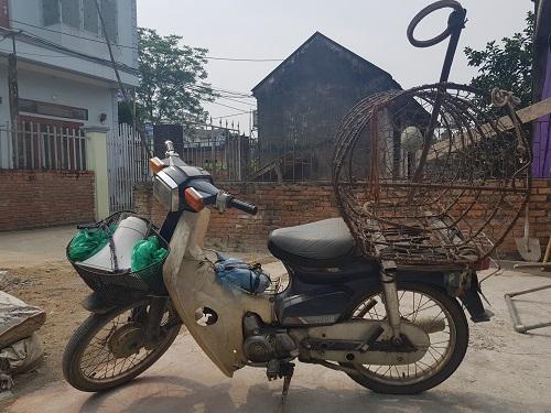Chiếc xe chuyên đi bắt chó của ông Thanh. Ảnh: Gia Chính