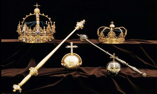 Bộ sưu tập trang sức hoàng gia Thụy Điển tại nhờ thờ Strangnas. Ảnh: AFP.