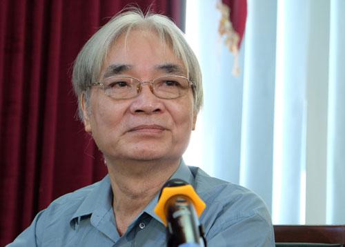 GS Nguyễn Văn Lợi - nguyên Viện phó Ngôn ngữ học, chuyên gia nghiên cứu ngữ âm tiếng Việt. Ảnh: Quỳnh Trang.