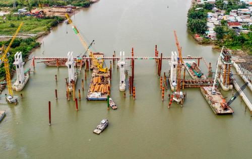 Dự án chống ngập 10.000 tỷ đã thi công được 72% khối lượng công việc và đã bị dừng thi công hơn 4 tháng qua. Ảnh: Quỳnh Trần