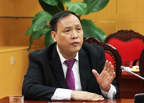 GS Nguyễn Đình Đức chia sẻ thực trạng nhiều sinh viên Đại học Quốc gia Hà Nội bỏ học sau năm nhất. Ảnh: Thùy Linh