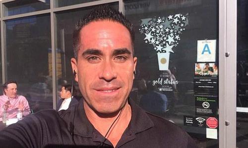 Paul Guadalupe Gonzales tại một nhà hàng ở Mỹ. Ảnh: Facebook.