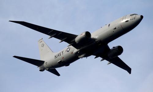 Máy bay tuần thám biển P-8A của hải quân Mỹ bay biểu diễn năm 2017. Ảnh: Reuters.