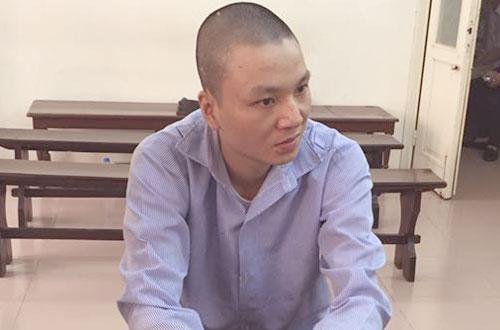 Bị cáo Lực trong khi chờ nghe tuyên án.