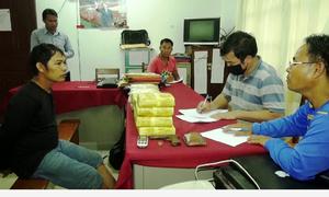 Trùm ma tuý Lào mang hơn 100.000 viên hồng phiến sang Việt Nam