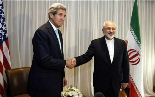 John Kerry (trái) vàMohammad Javad Zarif tại Thụy Sĩ tháng 1/2015. Ảnh:AFP.