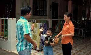 Điểm giữ trẻ mùa nước nổi trong nhà thờ ở An Giang