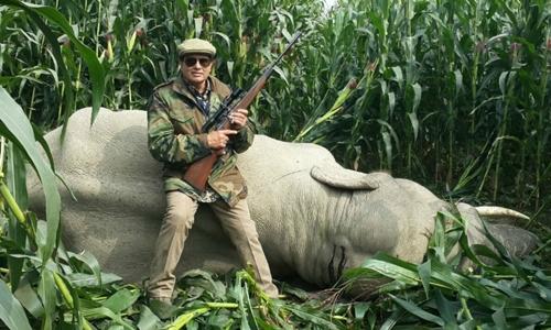 Thợ săn Nawab Shafath Ali Khan. Ảnh: India Times.
