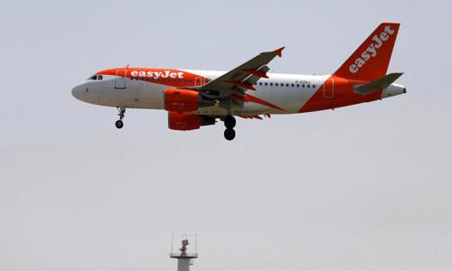 Một máy bay của hãng EasyJet. Ảnh: Reuters.