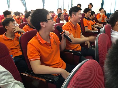 Sinh viên Đại học Lạc Hồng hào hứng giao lưu tại xTour.