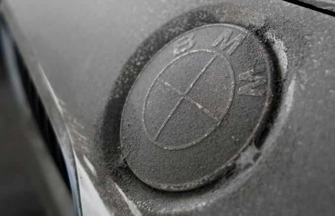 Dàn xe BMW hơn 3 triệu USD xuống cấp sau 2 năm phơi nắng Sài Gòn