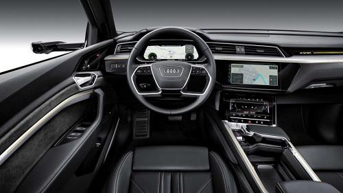 Nội thất xe điện Audi E-Tron.