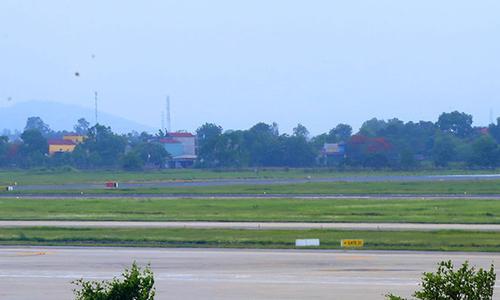 Đường băng Nội Bài, Tân Sơn Nhất có nguy cơ đóng cửa
